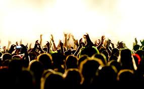 (http://t3.gstatic.com/images?q=tbn:ANd9GcRK5f7M7sJp24nEKVKaoeYZZ6OF085u63afLi4SVhRzqJQbERdWYA:www.savebritainmoney.co.uk/blog/wp-content/uploads/2013/06/festival-crowd.jpg)