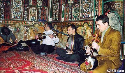 (http://www.azer.com/aiweb/categories/magazine/84_folder/84_photos/84_135_french_mugham.jpg)