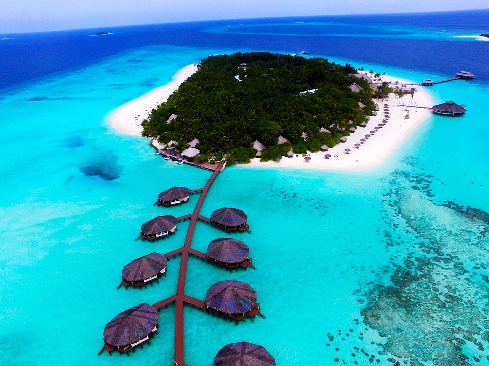 (http://www.oneworld365.org/img/101/maldives.jpg)