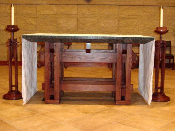 (http://blog.adw.org/wp-content/uploads/2009/06/altar_full.jpg)