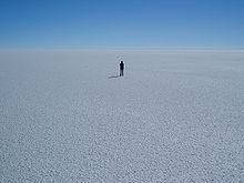 (http://upload.wikimedia.org/wikipedia/commons/thumb/6/68/Salar_Uyuni_Bolivie.JPG/220px-Salar_Uyuni_Bolivie.JPG)