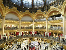 The luxurious interior of the Galeries Lafayette Department store Paris (http://www.bbc.co.uk/schools/gcsebitesize/business/images/luxury.jpg)