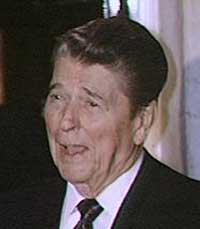 portrait of Ronald Reagan (http://www.bbc.co.uk/staticarchive/331eb908df0d10e4e8df02d62a2f27973f82975f.jpg)