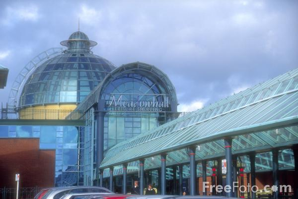 (http://www.freefoto.com/images/1051/33/1051_33_2---Meadowhall-shopping-centre_web.jpg?&k=Meadowhall+shopping+centre)