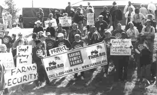 (http://historyrat.files.wordpress.com/2012/05/farm_aid_rally1.jpg)
