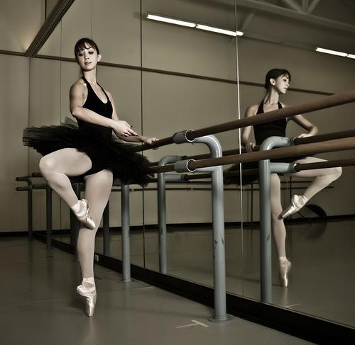 (http://sandon48.files.wordpress.com/2008/10/ballet-dancer-at-barre.jpg)