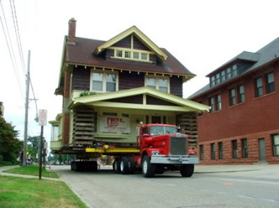 (http://4.bp.blogspot.com/_wBMm0XSN9uk/Shz8jt-T7UI/AAAAAAAAJ28/7IIAIM8BrtY/s400/large_HouseMove.jpg)