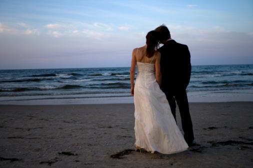 (http://3.bp.blogspot.com/-KsSmZcRhqIk/TiL8KWCYBfI/AAAAAAAAAy4/R1e3S3E7Y7s/s1600/husband+and+wife.jpg)